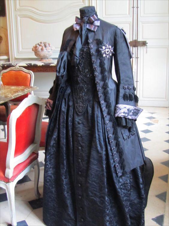 18th century hunter outfit, indigo-dyed satin