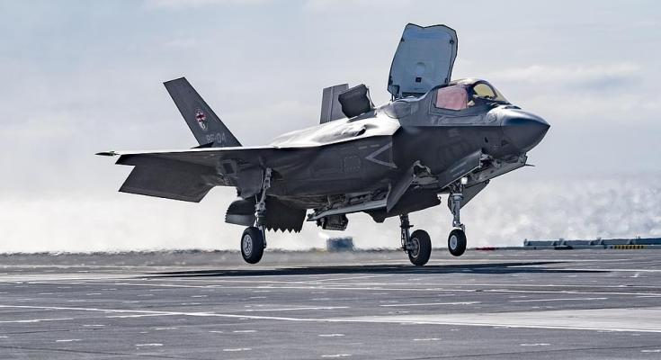 First-Royal-Navy-pilot-to-land-an-F-35B-on-HMS-Queen-Elizabeth-tells-his-incredible-story