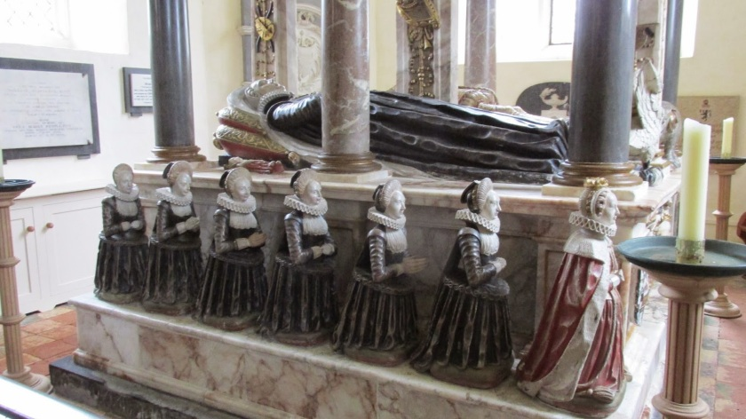 Lettice parents' tomb flanked by 15 of their children, Lettice far right.JPG