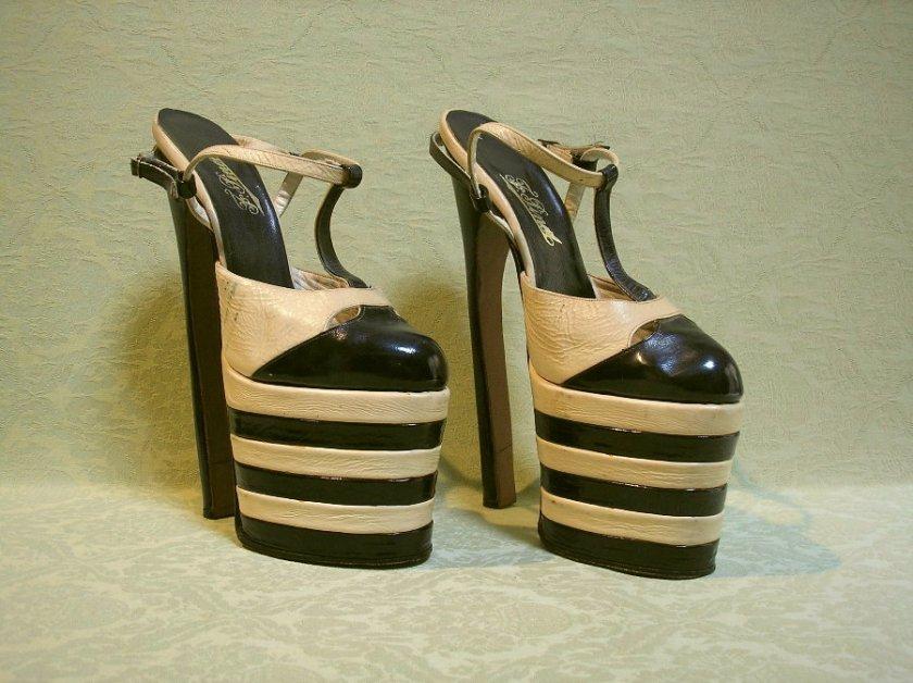 Platform shoes 1970s