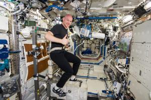 astronaut_03