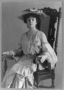 alice-roosevelt-longworth-1884-three-quarter-length-portrait-seated-in-chair-640